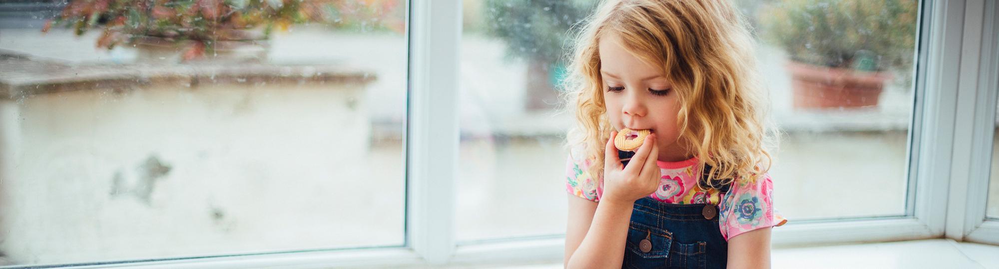 cheryl's deal hero girl eating cookie